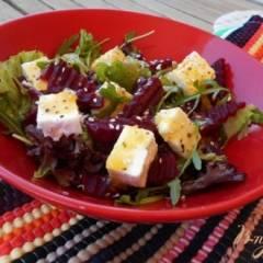 Салат из свеклы с сыром фета и апельсиновой заправкой