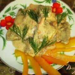 Печень в сметанно-чесночном соусе