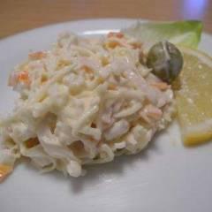 фото рецепта Салат из крабовых палочек и сыра