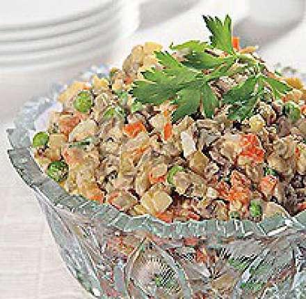 Салат оливье с яблоками