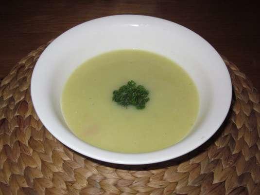 Суп-пюре из лука порея с беконом