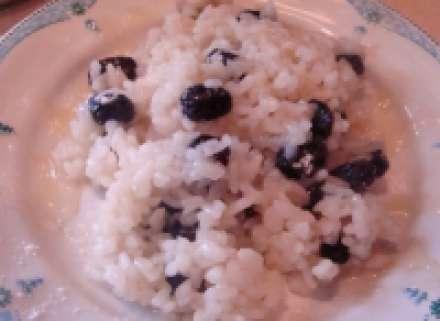 Рисовая каша на воде с изюмом