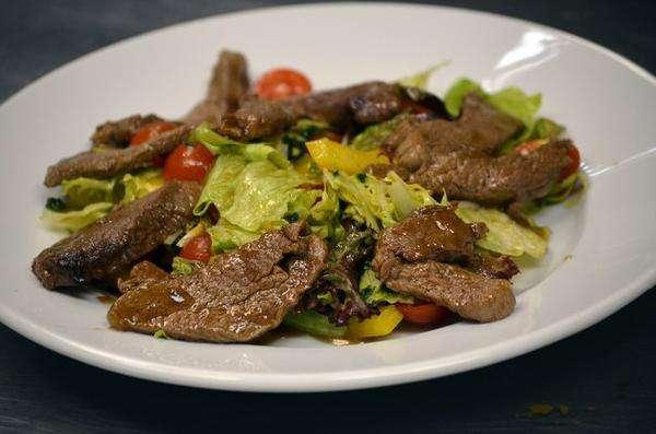 Салат с нежной говядиной