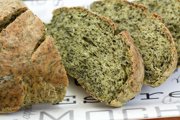 Зеленый хлеб со шпинатом