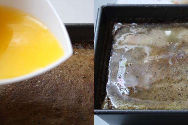 Остывший паштет полить растопленным маслом и поставить в холодильник на 1-2 часа
