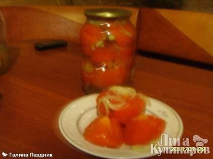 И вот так выглядят помидоры в желатиновой заливке, когда готовы.