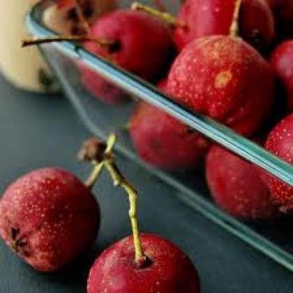Настойку можно приготовить из цветов или ягод боярышника. Сначала рассмотрим рецепт настойки боярышника из ягод