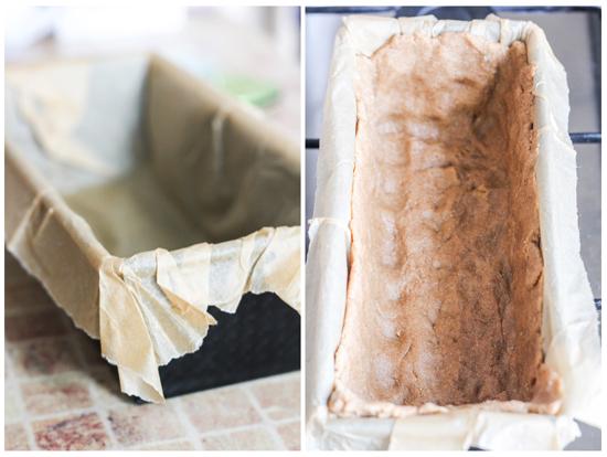 Выстилаем форму пергаментом, для того,чтобы удобнее было потом извлечь киш. Выкладываем тесто,формируя бортики.