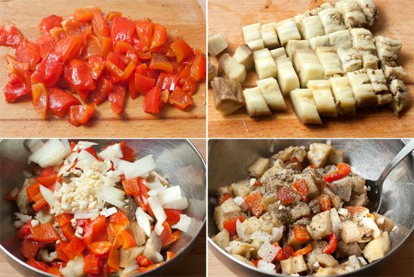 Нарежьте очищенные запеченные овощи кубиками, переложите в миску. Измельчите чеснок, а лук нарежьте тонкими четвертькольцами. Добавьте оливковое масло, сок половины лимона, посолите и поперчите.   Перемешайте получившуюся начинку.