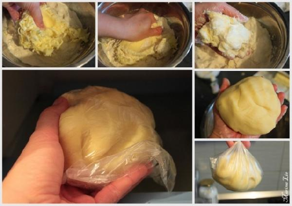 Замешиваем тесто, заворачиваем в плёнку и в холодильник на час.